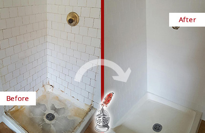 Before and After Picture of a Middletown Shower Cleaned to Eliminate Mold